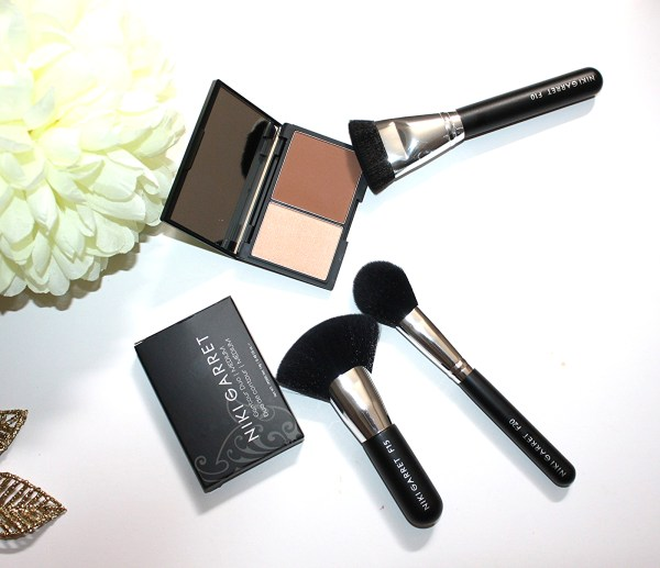 Niki Garret Contour and Highlighter Duo Review-005