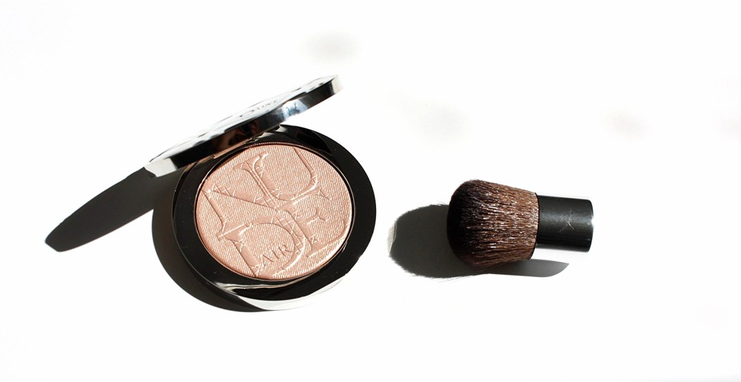 DIORSKIN NUDE AIR LUMINIZER POWDER
