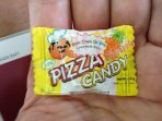 Pizza candy in pineapple flavor.