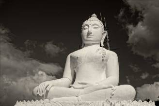the White Buddha in Pai