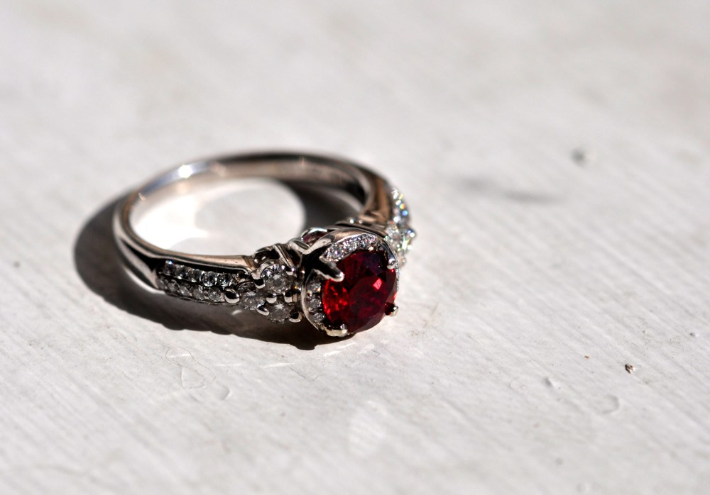 Better Engagement Ring Pictures (3/3)