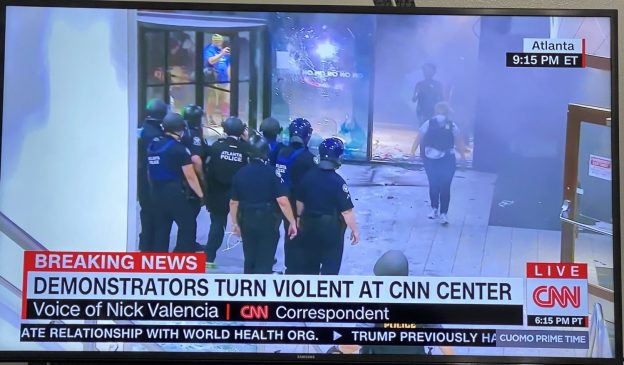CNN-HEADQUARTERS-ATLANTA-VANDALIZE-PROTESTERS-FLOYD