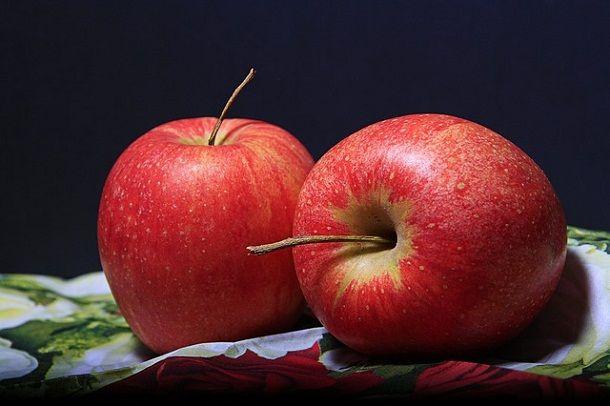 सेब के बारे में 40 रोचक जानकारी और फायदे – Information About Apple in Hindi