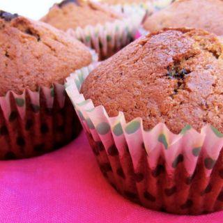 Magdalenas de espelta con arándanos y chocolate