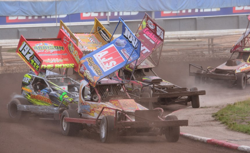 Sheffield Turn 4 Heat Action.JPG