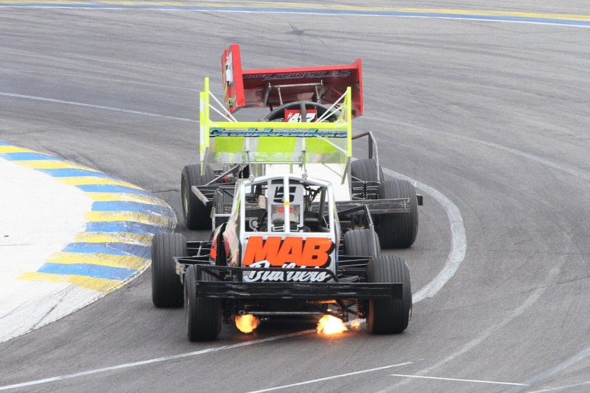 flame spitter sworder entering turn 1 venray.jpg