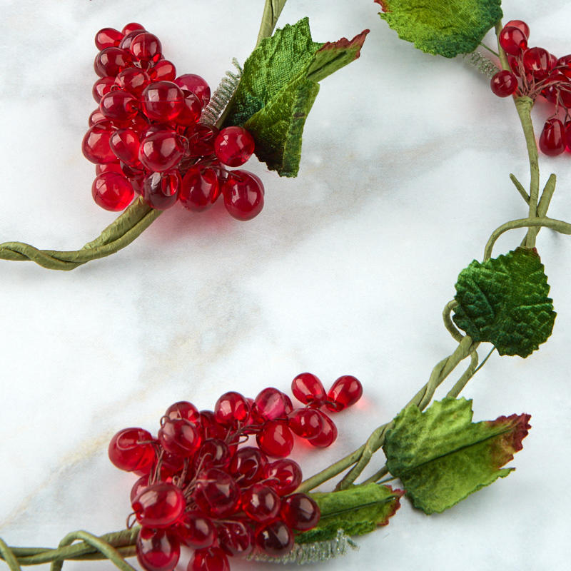 Red Acrylic Artificial Grape Cluster And Leaf Garland On