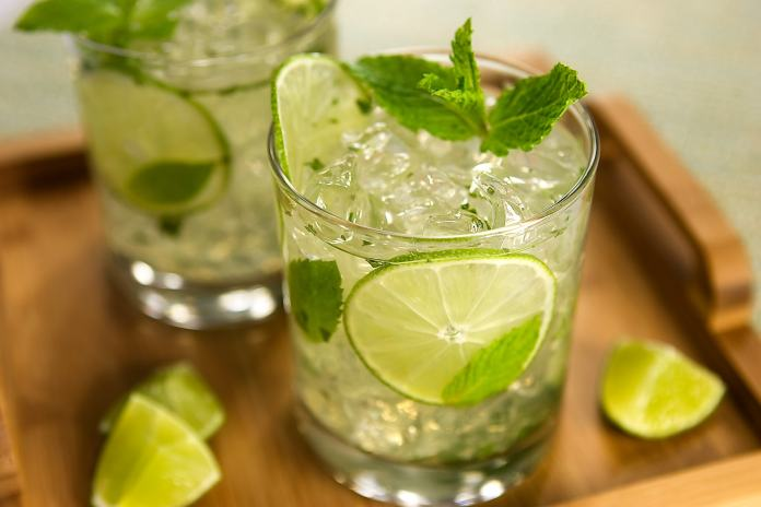 refreshing-pitcher-mojito
