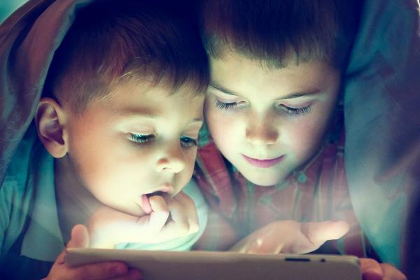 Filhos digitais? Pais ocupados demais!