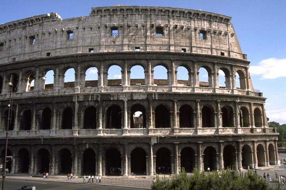 https://i1.wp.com/faculty.evansville.edu/rl29/art105/img/rome_colosseum.jpg