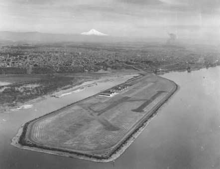 Swan Island airport, 1932 Photo by Brubaker Aerial Surveys, courtesy Port of Portland's Technical Resource Ctr., PH SI 1932 4001 00 0002 0