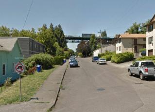 N Salem Ave at Burlington Ave., Portland, OR. Photo: Google, June 2016.