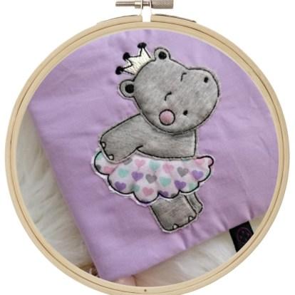 Hippo Mädchen Stickdatei Doodle