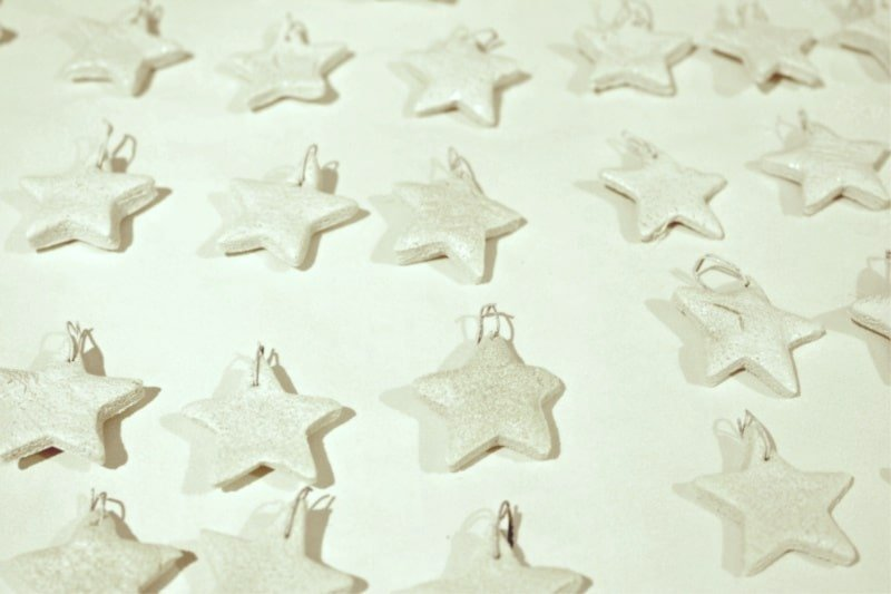 DIY Christmas tree garland using salt dough stars.