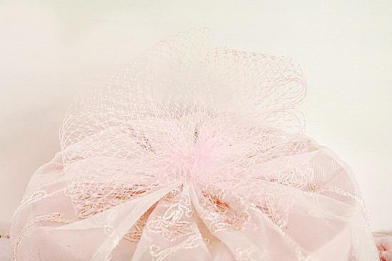 hatbox decorating ideas, diy hotbox, diy shabby chic hatbox, pretty pink hatbox vintage hatbox