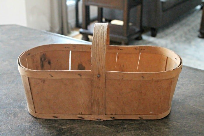 Vintage fall apple basket made from wood.  Fall Basket Makeover, Vintage Baskets, Wood Basket, Farmhouse Basket