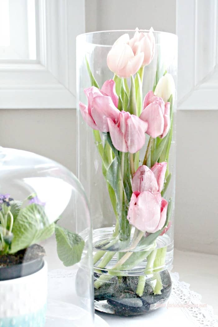 Modern tulip arrangement ideas for spring for Spring flower arrangement ideas