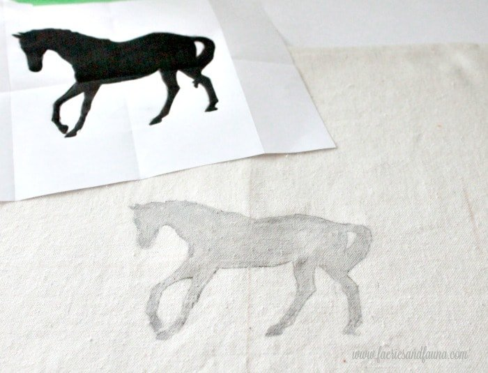 Equine template painted in with chalk paint. Cushion making, DIY cushion covers, DIY pillow, making pillow covers, cushion cover making, sewing pillow covers, envelope cover, DIY Cushion Covers
