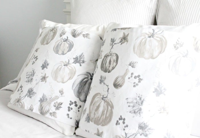 DIY Cushion Covers for Fall Decorating, the easy to sew cushions are perfect for Fall decor.