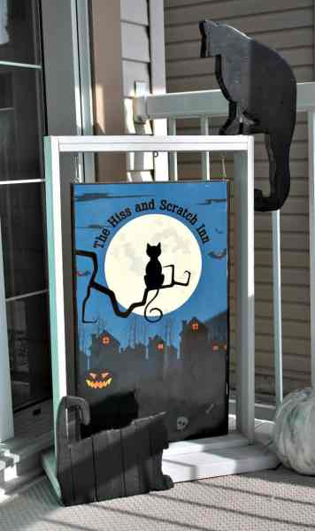 Halloween DIY sign for a Halloween Front Porch