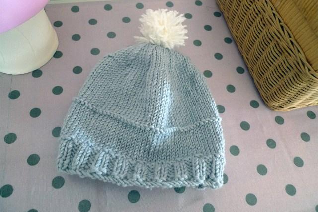 Bonnet-tricoté-gris