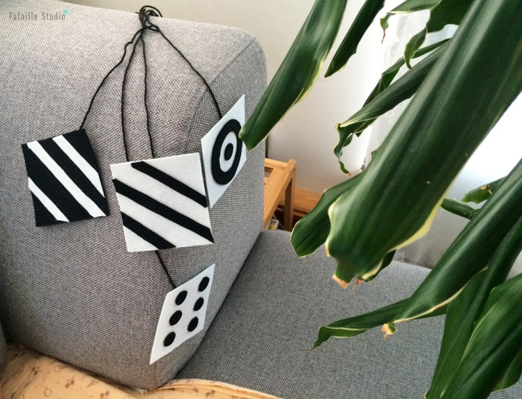 DIY mobile de Munari Montessori