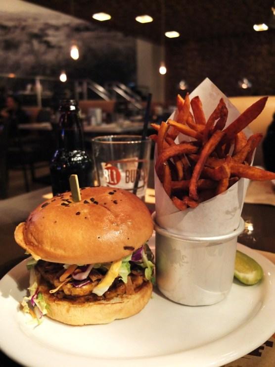 Late night sesame tuna sandwich at BLT Burger