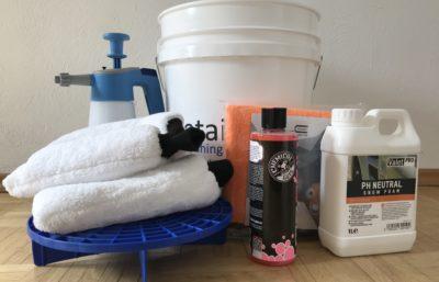 Pflegemittel für die Fahrzeugwäsche von Hand