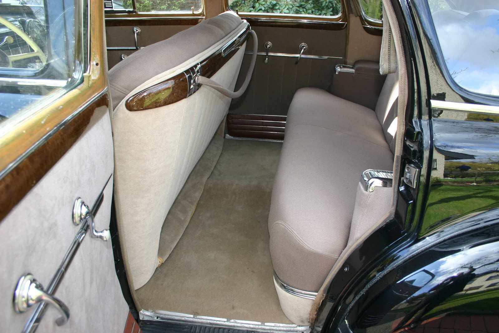 Cadillac Touring Sedan_7