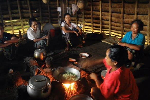 Women cooking dinner at Wae Rebo.