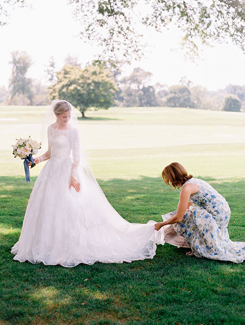 5 Things Mothers of the Bride Can Take Off Their Daughter's Plate via Brides - Fairly Southern