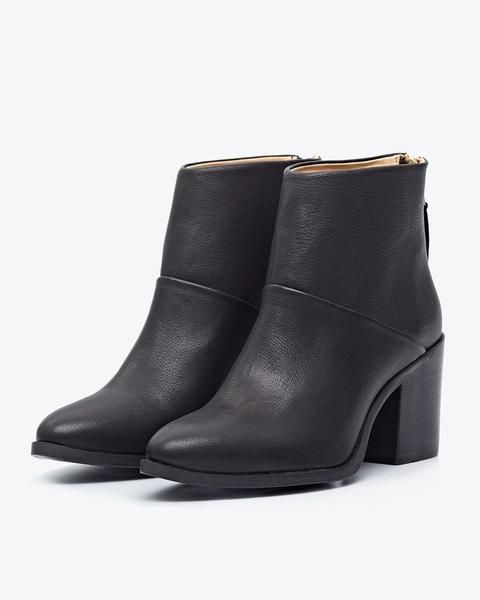 Nisolo black leather heeled booties  |  Ethically Made Women's Workwear Recommendations  |  Fairly Southern