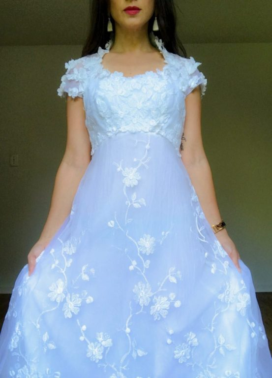 Vintage wedding dress - Southerner Spotlight: Reseller Extraordinaire Holly Taylor     Fairly Southern
