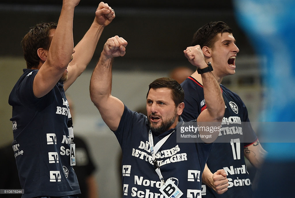Ljubomir Vranjes, no meio, treinador do Flensburg (Foto: gettyimages.co.uk)