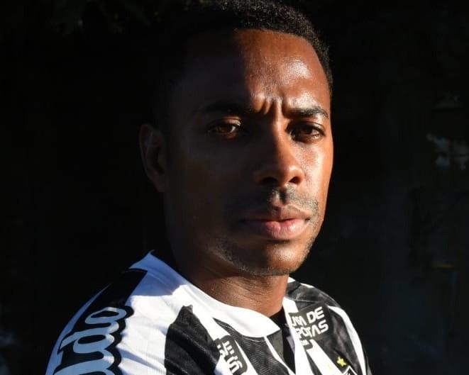 Robinho-3-Ivan-Storti-Santos-FC.jpg?fit=661%2C529&ssl=1