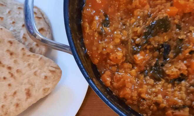 Rote Linsen Curry mit Raita