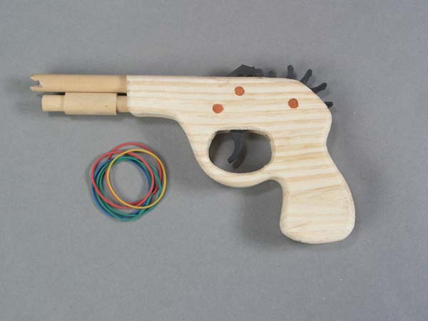 Small Wood Rubberband Pistol   3-4021