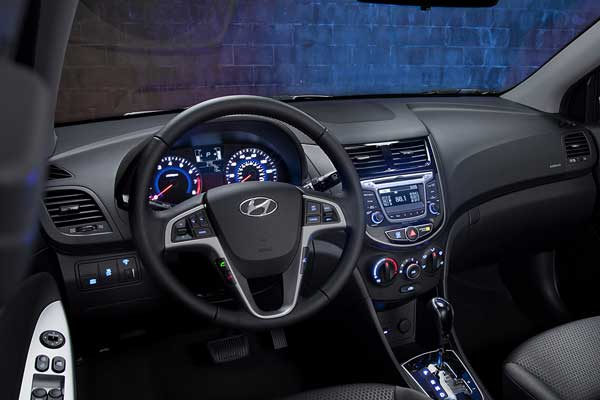 Hyundai Accent SE Hatchback 2017 Price And Specifications