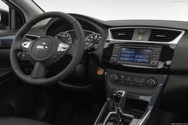 nissan sentra sl 2017 price and specifications fairwheels. Black Bedroom Furniture Sets. Home Design Ideas