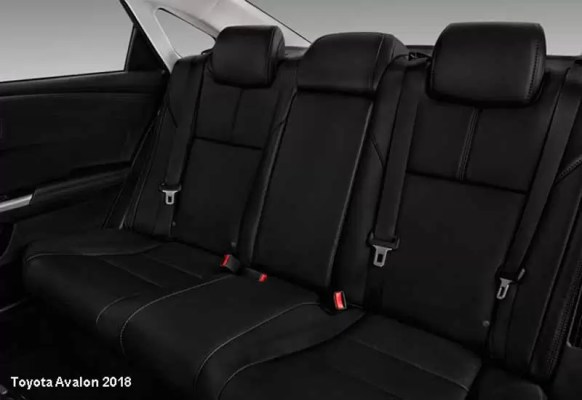 Toyota-Avalon-2018-back-seats