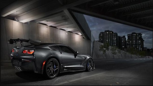Chevrolet-Corvette-ZR1-Race-Track-Rear-view