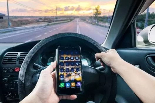 Driving While texting meet accident