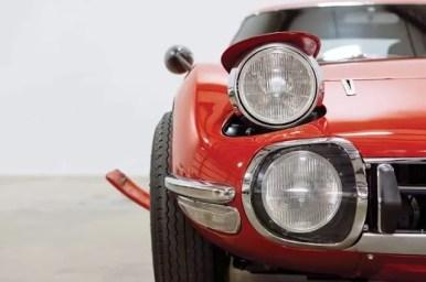 Pop up Headlights of Toyota 2000GT