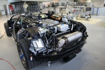 Whole Veyron Uncovered for oil change