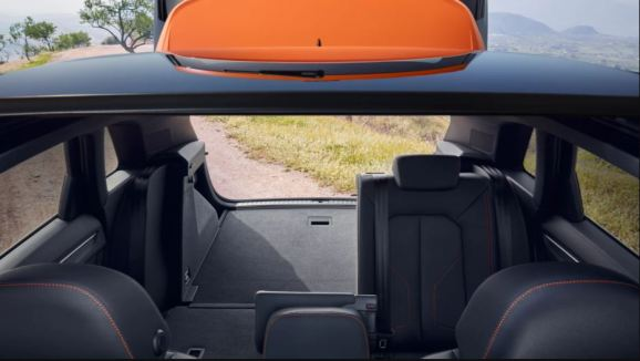 2nd generation Audi Q3 SUV baggage area view