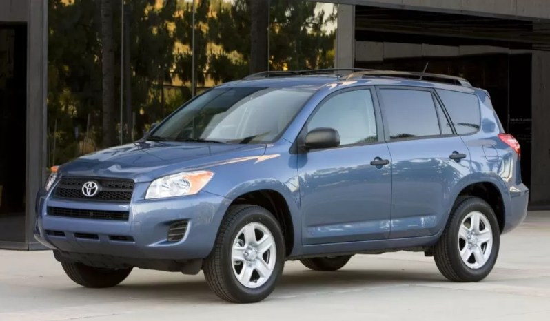 3rd generation Toyota Rav4 SUV feature image