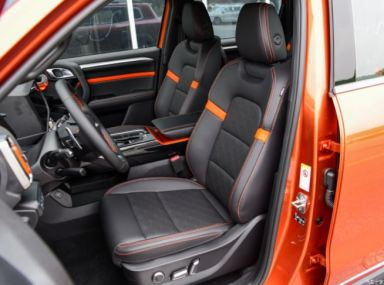 1st generation Haval Big Dog SUV front seats view