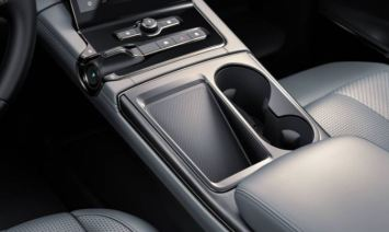 1st generation Nio ES8 electric SUV interior space