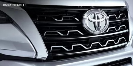 2nd generation facelifted toyota fortuner suv radiator grille close view