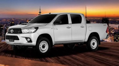 8th generation Toyota hilux E pickup truck full side view